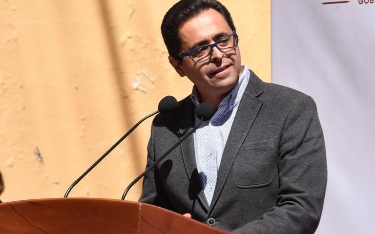 Manuel Camacho Higareda, titular de la SEP en Tlaxcala, se dirige a la población sobre el supuesto 'operativo mochila'