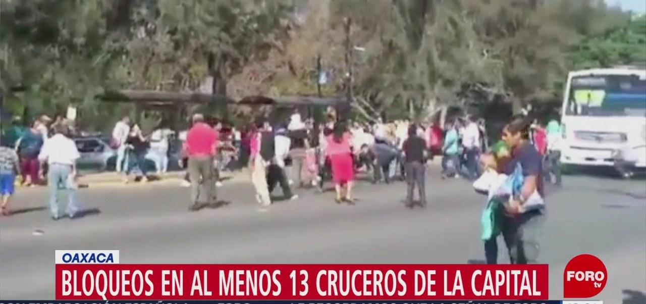 """Foto: Miembros del Sindicato """"Libertad"""" bloquean 13 cruceros en Oaxaca"""