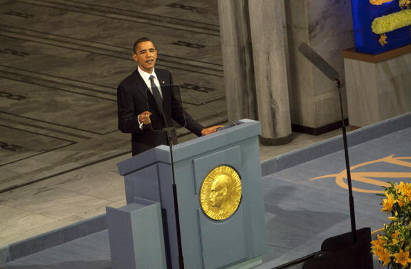 Foto: Barack Obama pronuncia un discurso tras recibir el Premio Nobel de la Paz, el 10 de diciembre de 2009, 15 febrero 2019