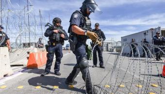 Foto: Colocan alambre de púas en cruces fronterizos, 15 de febrero 2019. EFE