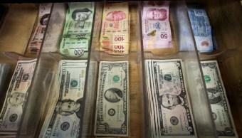 Peso se recupera frente al dólar, tipo de cambio a 19.24