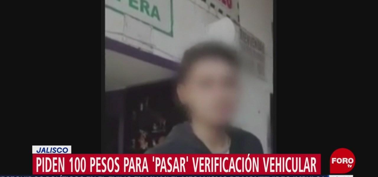 Piden 100 pesos para pasar verificación vehicular en Jalisco