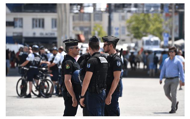 Fopto: Policías franceses,