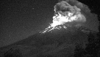 popocatepetl registra tres explosiones acompañadas de material incandescente y ceniza
