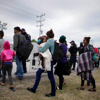Migrantes centroamericanos llegan a Arriaga, Chiapas