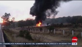 Se incendia camioneta con huachicol en la México-Querétaro