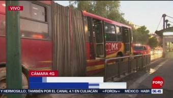 Se incendia Metrobús en avenida Insurgentes en CDMX