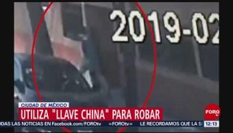 Somete a mujer con 'llave china' para asaltarla en CDMX