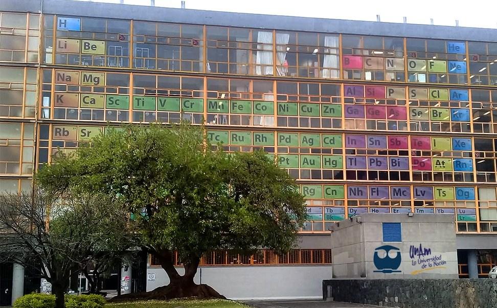 foto tabla periódica gigante en la UNAM 25 febrero 2019