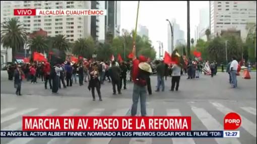 Trabajadores marchan sobre Reforma, CDMX, por aumento salarial