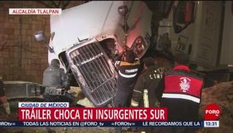 Foto: Tráiler sube a la barra de contención en Insurgentes Sur