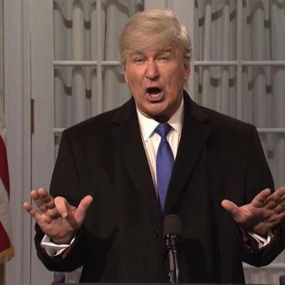 Trump critica a 'Saturday Night Live' por mofa sobre declaratoria de emergencia