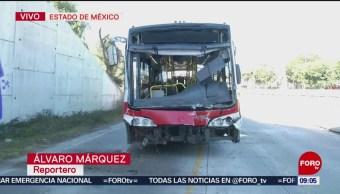 Unidad de Mexibús choca contra camión de pasajeros en Edomex