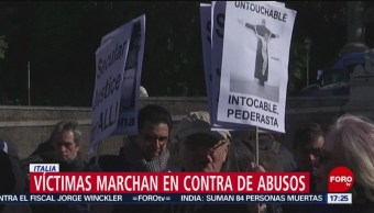 FOTO: Víctimas marchan en contra de abusos en Italia, 23 febrero 2019