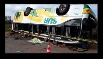 Foto: Volcadura de autobús en Campeche, 18 de febrero 2019. Twitter @DiarioDeTabasco