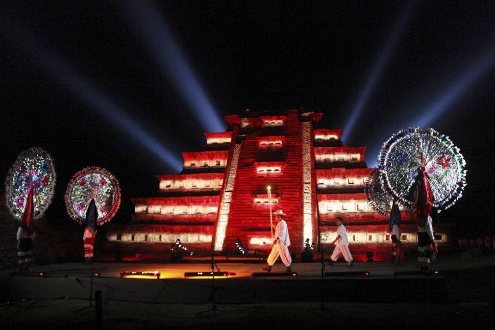 foto Actividades nocturnas en el festival cumbre tajin cuartoscuro 20 marzo 2013