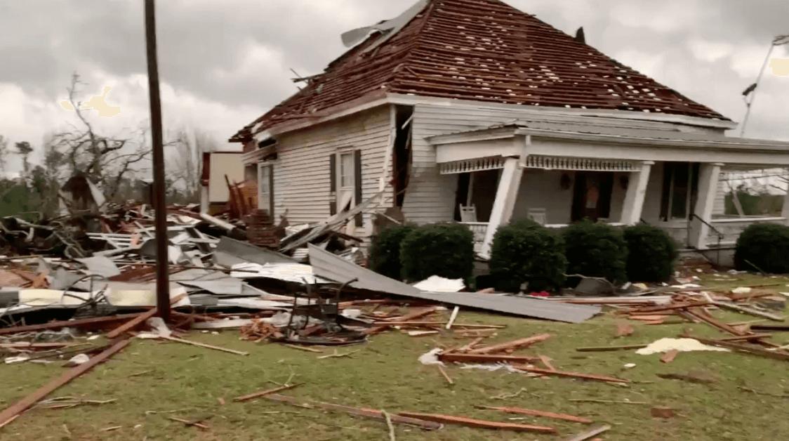 Foto: Casa dañada por tornado en Alabama. 4 de marzo de 2019, Estados Unidos
