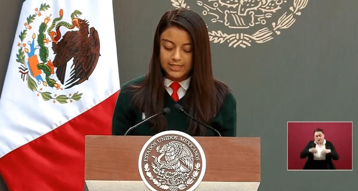 FOTO Ana Regina Flores, niña talento, participo´en el evento por el Día Internacional de la Mujer en Palacio Nacional (YouTube cdmx 8 marzo 2019)