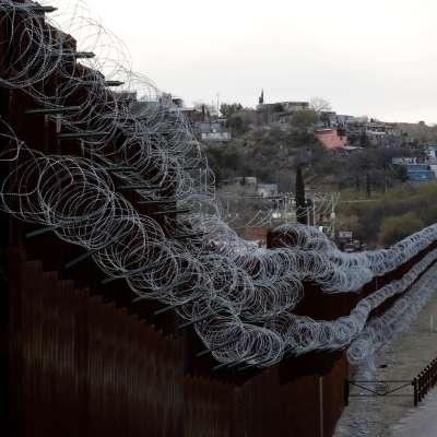 Roban alambre de púas del muro de Trump y lo venden en Tijuana