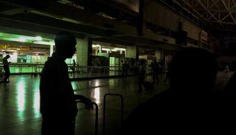 """Foto: Vista general del interior del aeropuerto internacional """"Simón Bolívar"""", ubicado en Maiquetia, que sirve a la ciudad de Caracas, Venezuela, 28 marzo 2019"""