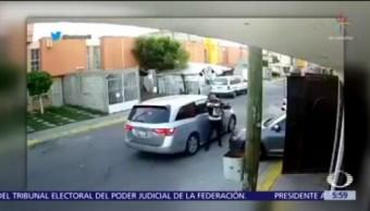 Asaltantes roban auto a conductor frente a su domicilio en Héroes Tecamac
