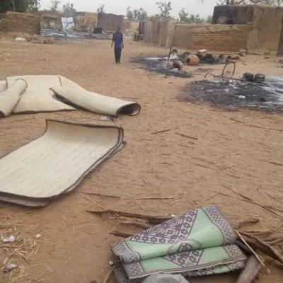 Suman más de 130 muertos por matanza étnica en Mali