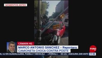 FOTO: Automóvil choca contra poste en Avenida 20 de Noviembre, CDMX, 18 marzo 2019