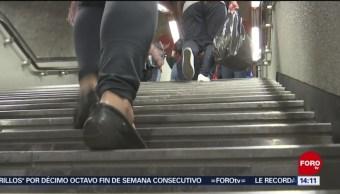 FOTO: Ayuda por falla de escaleras eléctricas en el Metro es insuficiente, 16 marzo 2019