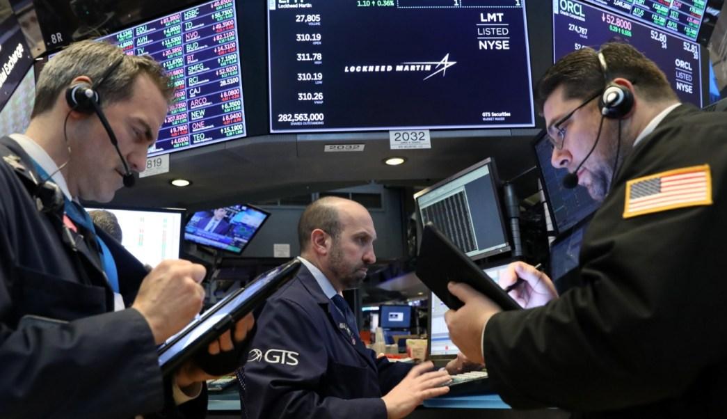 Foto: Los comerciantes trabajan en el piso de la NYSE en Nueva York, marzo 6 de 2019 (Reuters)