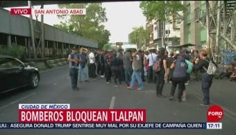 Foto: Bomberos que demandan pagos atrasados bloquean parcialmente Tlalpan en ambos sentidos