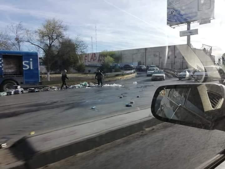 foto Ciudadanos evitan rapiña de refrescos