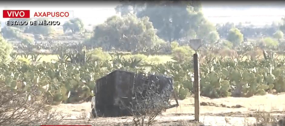 Foto: Camioneta calcinada cerca de incendio de toma clandestina Edomex, 25 de marzo de 2019, México