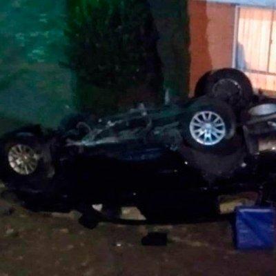 VIDEO: Camioneta cae desde 7 metros de altura; muere el conductor