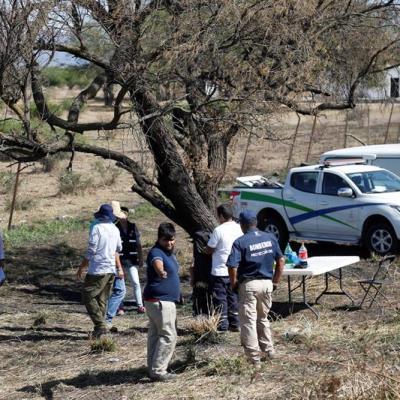 Suman 9 cuerpos identificados de 20 hallados en canal de aguas negras en Jalisco