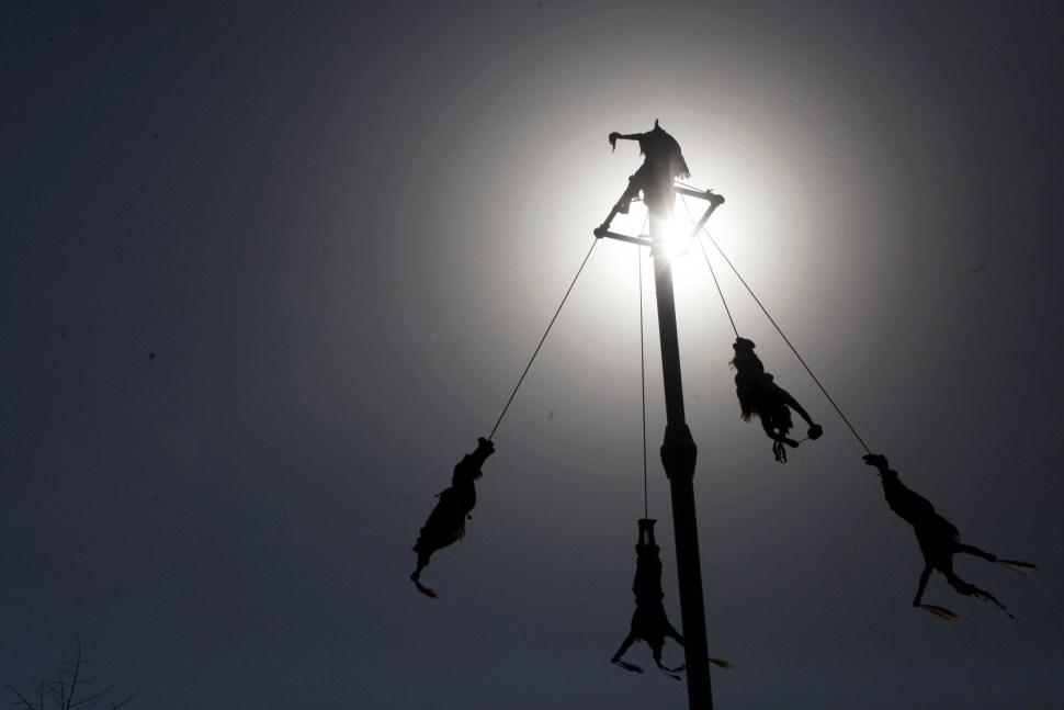 foto voladores de papantla 23 marzo 2013