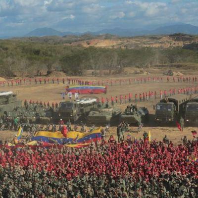 Venezuela 'protege' sistema eléctrico con ejercicios militares