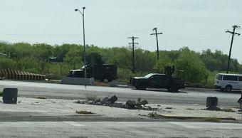 Foto: Soldados del Ejército Mexicano repelen la agresión de civiles armados en la autopista a Nuevo Laredo, 9 marzo 2019