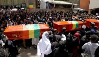 Foto: Se celebra una ceremonia fúnebre para las víctimas del accidente aéreo de Etiopía en la Catedral de la Santísima Trinidad en Addis Abeba, 17 de marzo de 2019 (Getty Images)