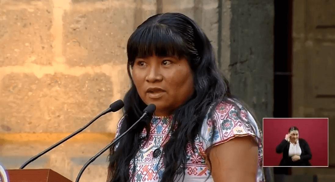 FOTO Felicitas Martínez Solano, miembro de una comunidad indígena de México, participó en el evento de Palacio Nacional por el 8 de marzo (YouTube 8 marzo 2019)