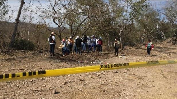 Foto: fosas clandestinas en Sinaloa, 14 de marzo 2019. Twitter @ApropositoD