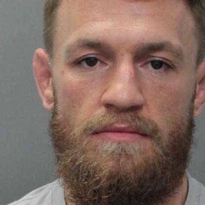 Arrestan a Conor McGregor por destruir teléfono de seguidor