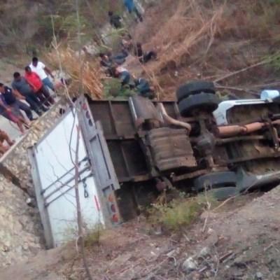 Jimmy Morales expresa condolencias por muerte de 23 migrantes en Chiapas