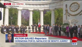 Gabinete de la CDMX rinde homenaje a Benito Juárez