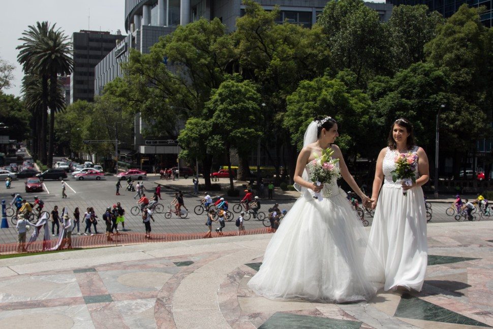 Gay-Boda-Lesbianas-Pareja-Reforma