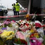 Foto: Colocan flores a fuera de la mezquita de Linwood en Christchurch, Nueva Zelanda, marzo 16 de 2019 (Reuters)