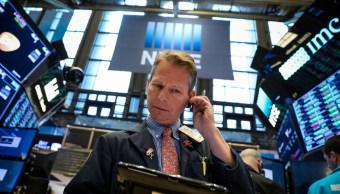 Foto: Los comerciantes trabajan en el piso de la Bolsa de Nueva York (NYSE) en Nueva York, Estados Unidos, 4 de marzo de 2019 (Reuters)