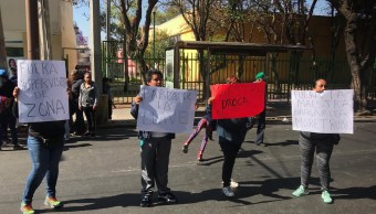 Foto Padres de familia retiran bloqueo en calzada Taxqueña 22 marzo 2019