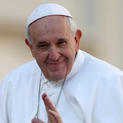 Papa Francisco dona 500,000 dólares para migrantes varados en México