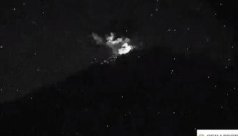 Popocatépetl registra exhalaciones de vapor e incandescencia