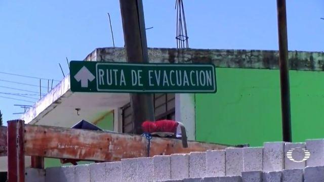Estrechos y sin señalización, caminos por donde habitantes deben salir si el Popo hace erupción